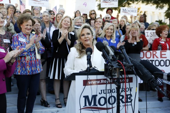 ct-roy-moore-alabama-senate-20171117