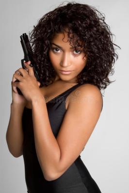 sexy-gun-girl-13627709
