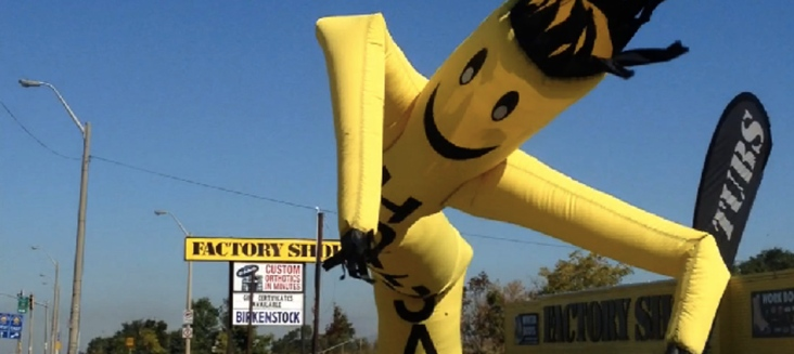 BANNER-YELLOW-TUBE-MAN